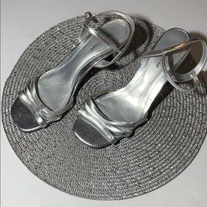 Woman's Size 8.5 Silver Dress Heels
